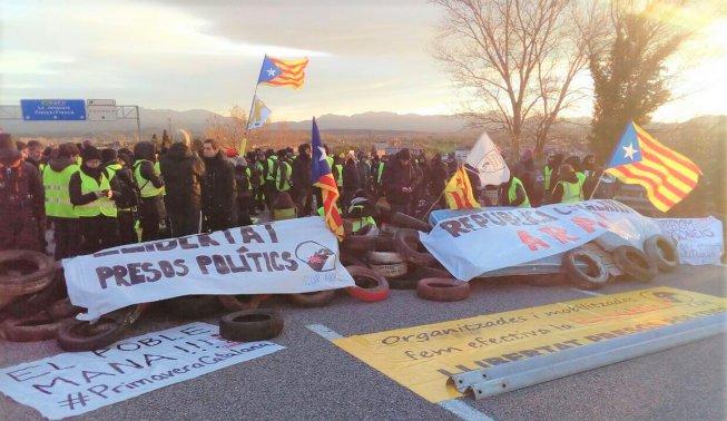 Talls de carreteres a Catalunya contra la repressió i per la llibertat dels presos polítics