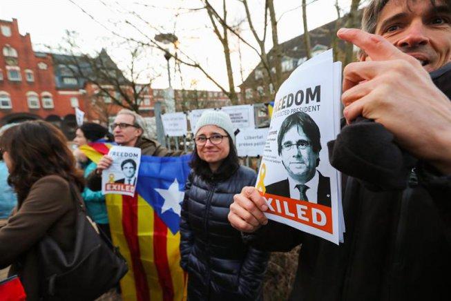 Puigdemont continuarà a la presó a Alemanya mentre s'estudia l'extradició