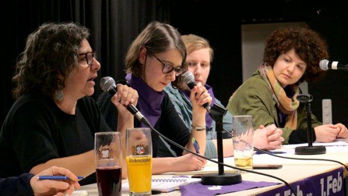 Munic: important debat cap a la vaga internacional de dones del 8M