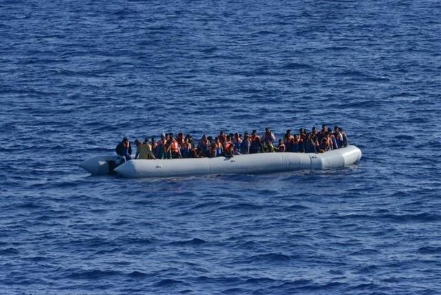 La UE debat l''Operació Sofia' mentre moren persones al mar