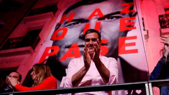 """Sánchez guanya les eleccions i Podemos demana governar amb els neoliberals """"progres"""" del PSOE"""