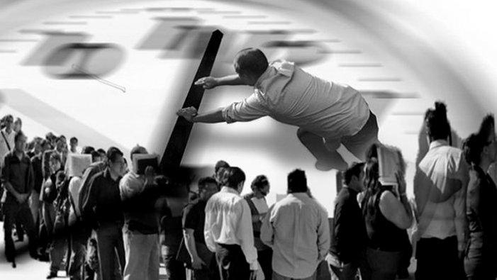 Fitxar a la feina, una solució al frau laboral o una mesura de cara a la galeria?