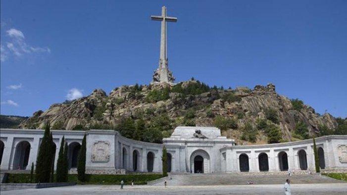 Tribunal Suprem: interlocutòria a la mesura de Franco i la seva família que frena l'exhumació