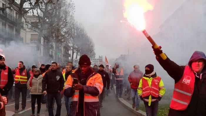 Fem com a França: fins on cal aguantar per a organitzar una vaga general?