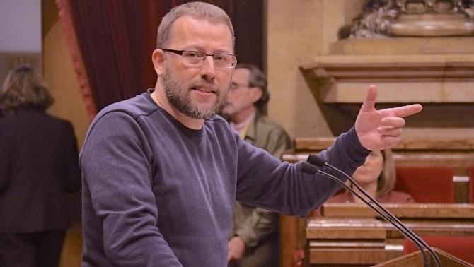 L'acord PSOE-UP no planteja derogar la contrareforma laboral del PP ni elimina la precarietat laboral