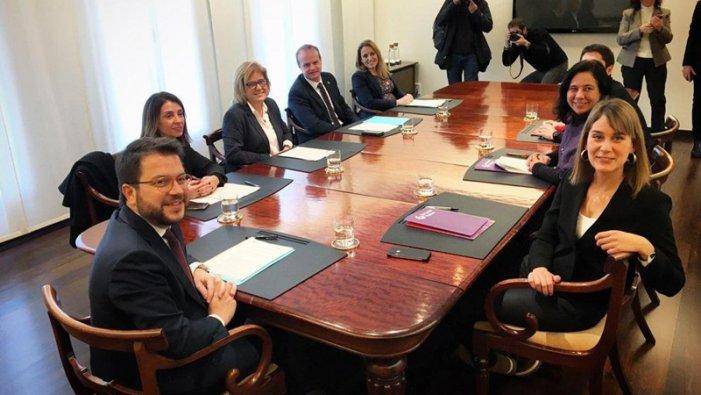ERC i Comuns pacten uns pressupostos vernissats de progressisme per a la Generalitat
