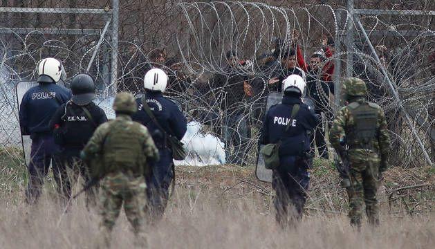 """El govern """"progressista"""" col·labora amb Grècia en la repressió dels refugiats"""