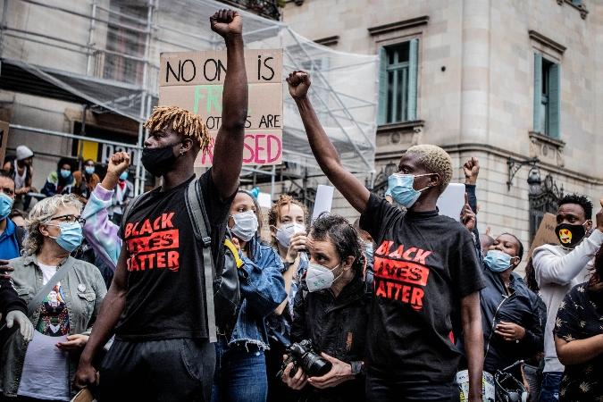 [Fotogaleria] La concentració anti-racista de Black Lives Matter a BCN en imatges