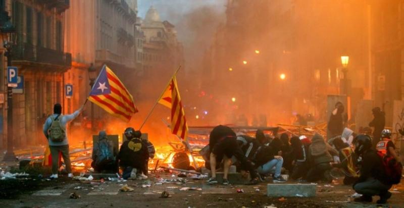 La Generalitat acusa a dos joves més per les mobilitzacions contra la sentència