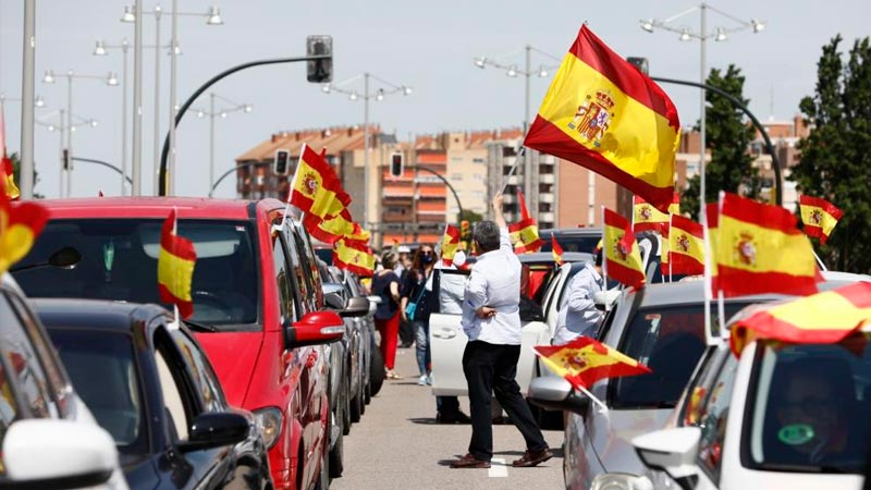 Interior justifica la multa per portar una bandera antifeixista a una protesta contra Vox a Saragossa