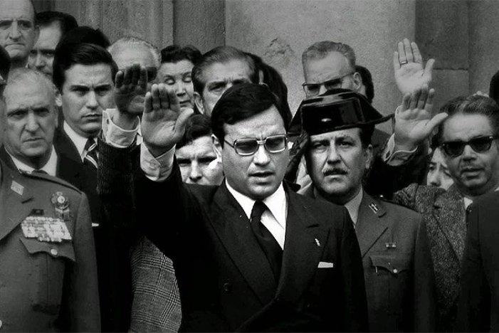 Expresidents i buròcrates sindicals envien carta de suport al repressor franquista Martín Villa