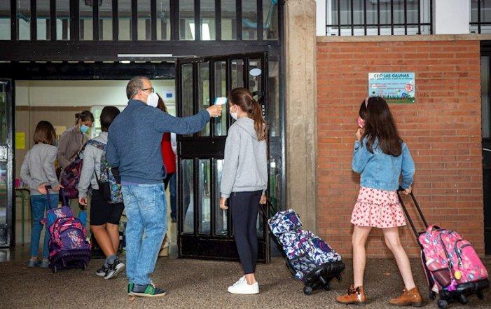 """Retallades i Covid-19 colpegen la """"tornada a l'escola""""a l'Estat espanyol"""