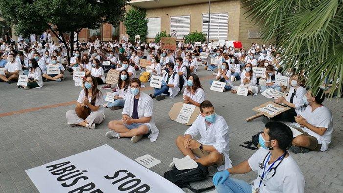 Tot el nostre suport a la vaga dels MIR a Catalunya