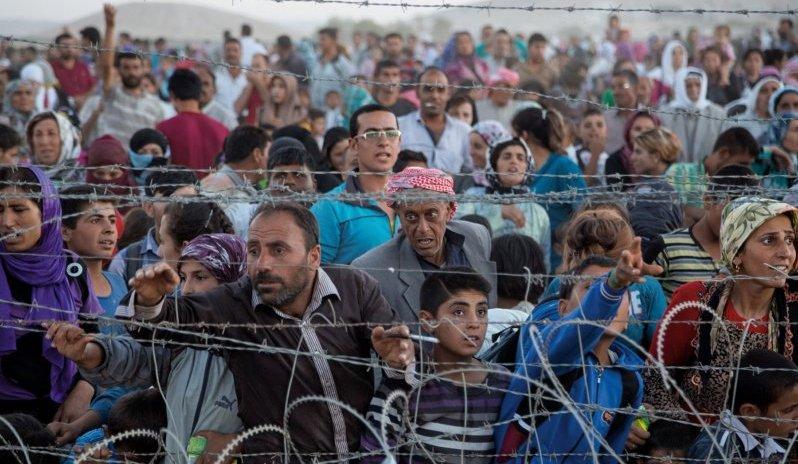 """La """"guerra contra el terrorisme"""" estatunidenc és la veritable causa de la crisi de refugiats a Europa"""