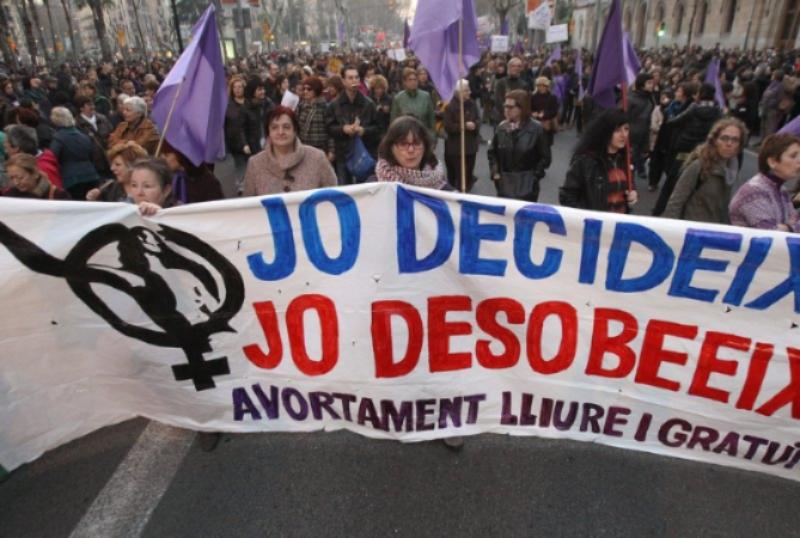 28S: pel dret a l'avortament també per a joves i dones immigrants!