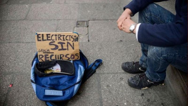 """Adéu a """"l'escut social"""": el Govern espanyol posa fi a la moratòria d'hipoteques i el veto a tallar la llum, el gas i l'aigua"""