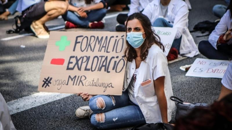 [Fotogaleria] Els MIR omplen els carrers en lluita pels seus drets