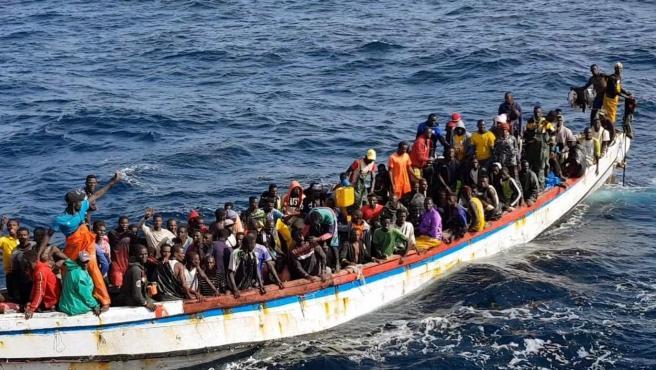 """La política del govern """"progressista"""" contra la immigració: expulsions i un saldo de 500 morts"""