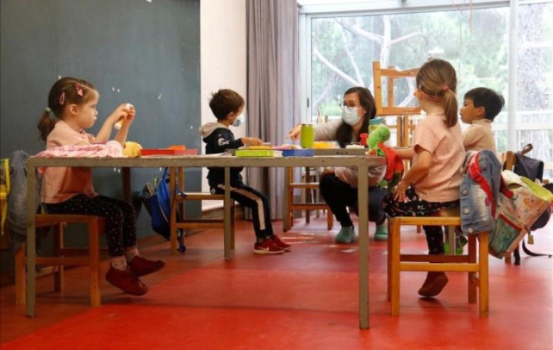 """Educació infantil: """"anys d'experiència per no perdre el lloc de treball i ser un número més"""""""