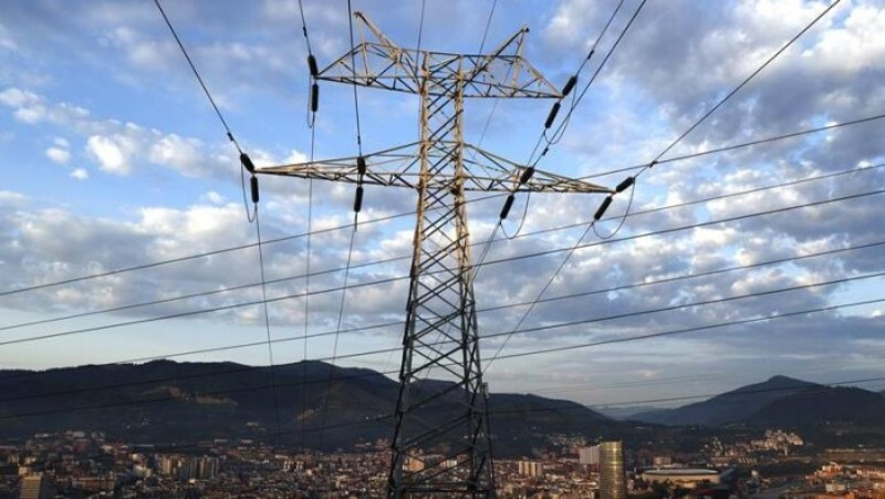 Nou rècord absolut del preu de la llum que es dispara fins als 132,47 euros/MWh