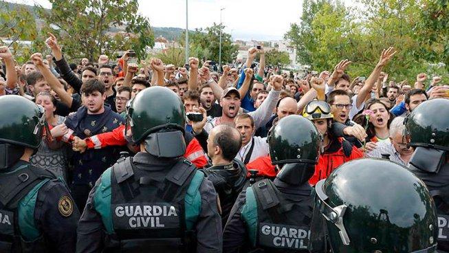 Recolzem la rebel·lió del poble català i el seu dret a l'autodeterminació