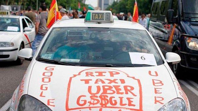 """Treballador del taxi: """"No tinc cap interès comú amb el patró que m'explota 16 hores al dia"""""""