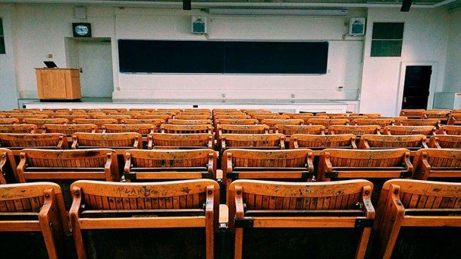 Menys diners i més taxes… la universitat de la crisi capitalista o la crisi de la universitat capitalista?