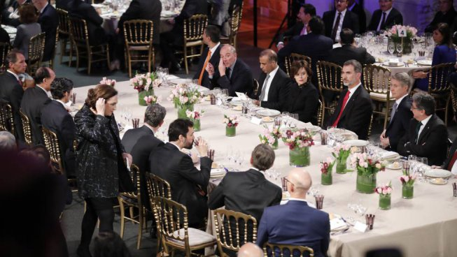 El que el 155 separa, el Mobile World Congress ho uneix
