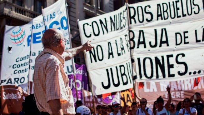 Les manifestacions dels pensionistes són un símptoma de la crisi del Règim