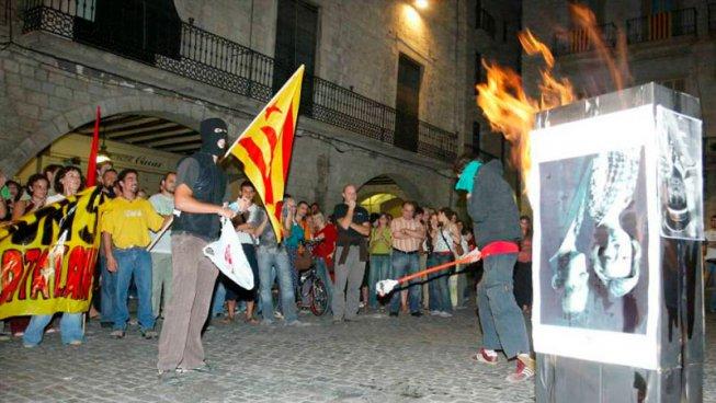 """""""Cremar fotos del rei és llibertat d'expressió"""", diu el Tribunal d'Estrasburg"""